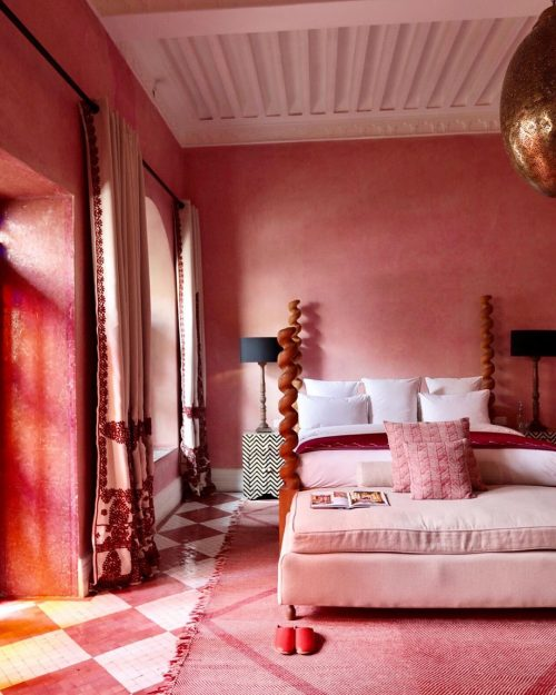 Pink and red hotel room at El Fenn Marrakech.